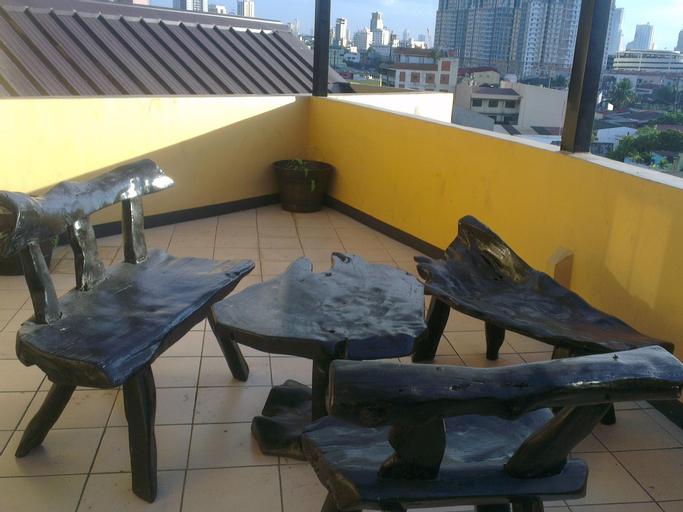 RUS888 Roomtel Manila, Manila