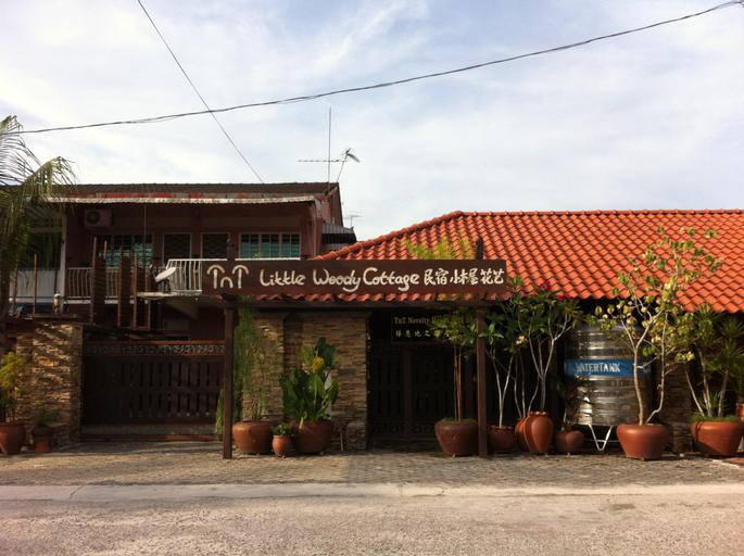 TNT Novelty Vacation House, Hilir Perak