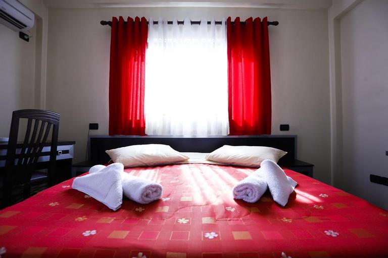 Hotel Ponte, Elbasanit