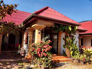 Champavong Guesthouse, Hinboon