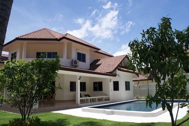 Mabprachan Lake Villa, Pattaya