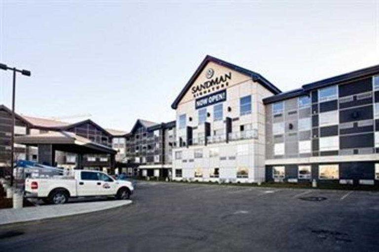 Sandman Signature Edmonton South Hotel, Division No. 11