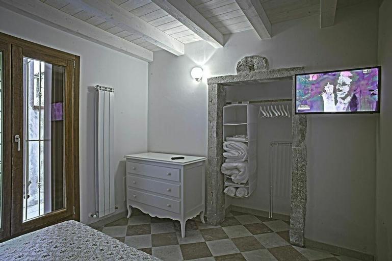Palazzo Giacchina is a self catering accommodation, Venezia