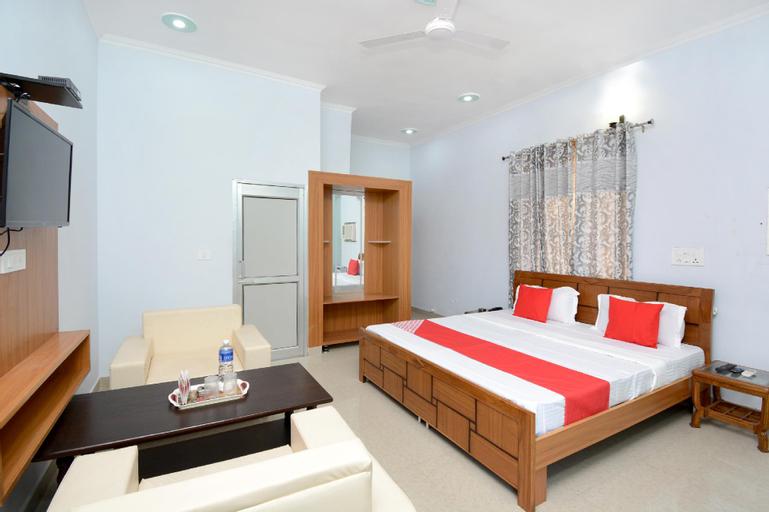 OYO 28121 Rk Resort, Panchkula