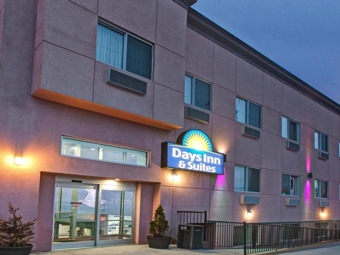 Days Inn & Suites by Wyndham Ozone Park/JFK Airport, Queens