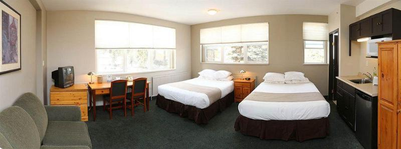 Banff Y Mountain Lodge, Division No. 15