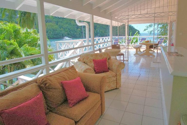 Marigot Beach Club and Dive Resort,