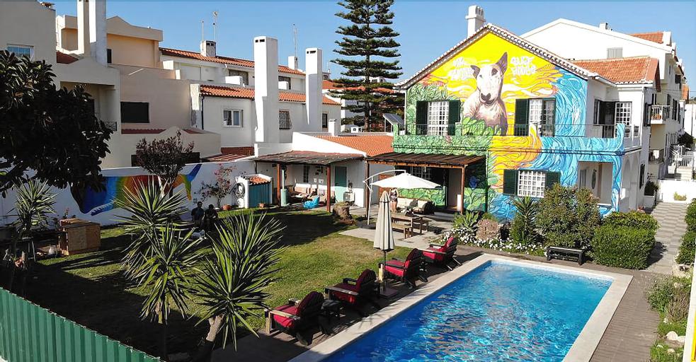 Mr Ziggy's Surfhouse - Hostel, Almada