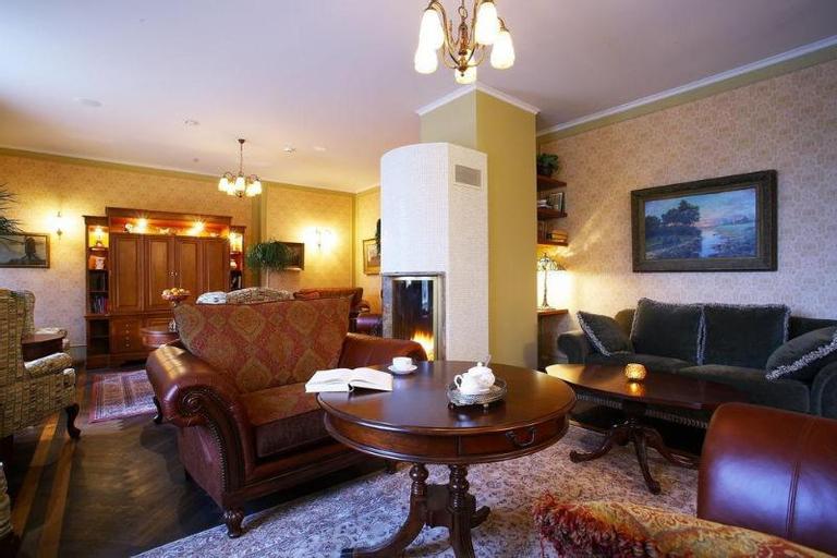 Ekesparre Residence, Kuressaare