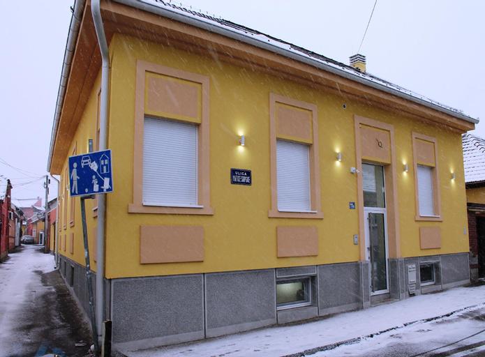 Garni Hotel 11Tica DM, Novi Sad
