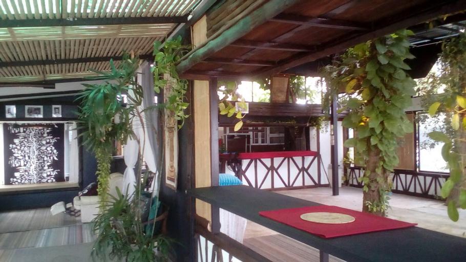 Moonlight Chateau Beach Resort, Bang Saphan