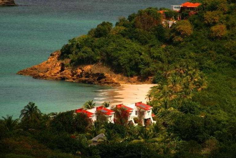 Coconut Beach Club,