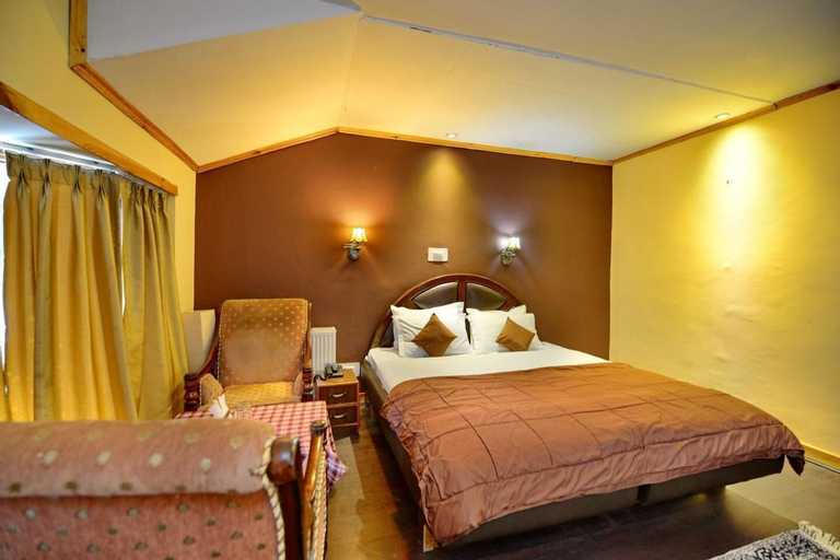 Hotel Pine Palace Resort, Baramulla