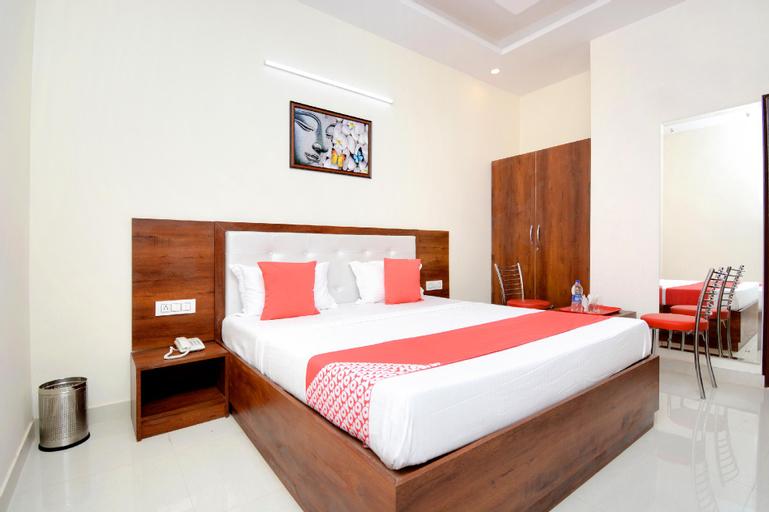 OYO Hotel 27061 Magnum, Sahibzada Ajit Singh Nagar
