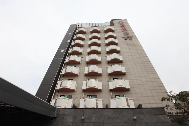 Hotel Born, Cheongwon