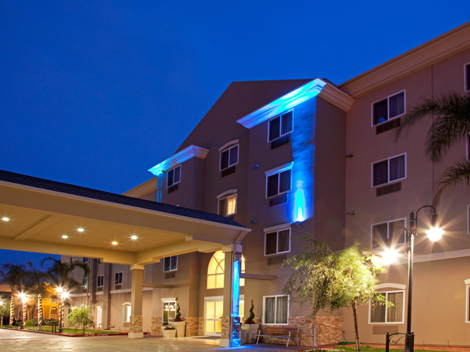 Holiday Inn Express and Suites LAX - Hawthorne, Los Angeles