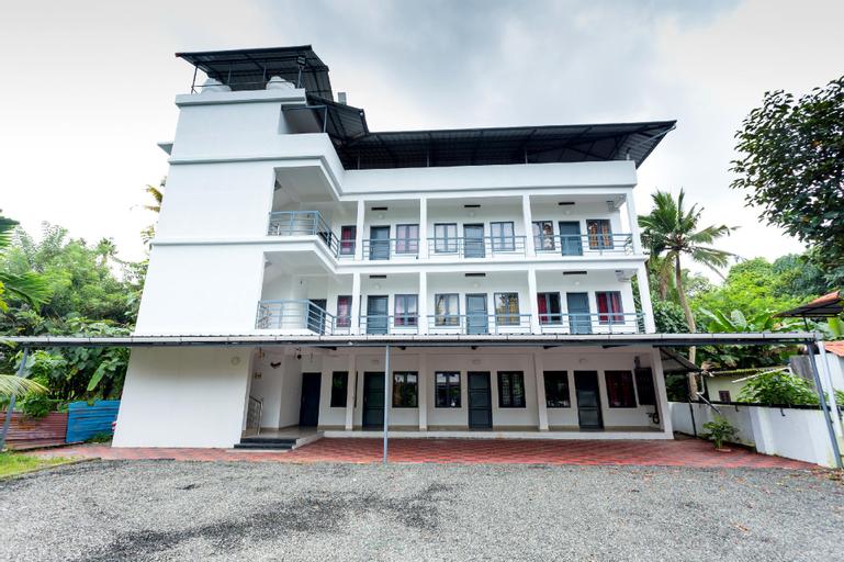 OYO 16797 Spacious Studio, Ernakulam