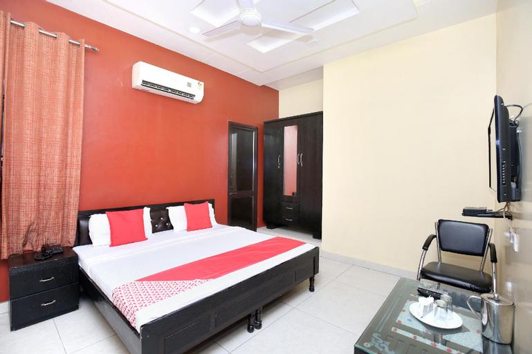 OYO 18805 Rajmahal Motel, Kapurthala