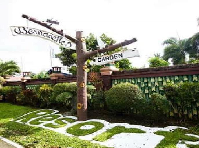 Bernadette Garden Resort, Alfonso