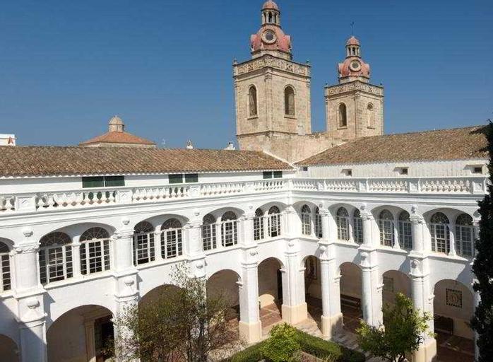 El Claustre de Ciutadella, Baleares