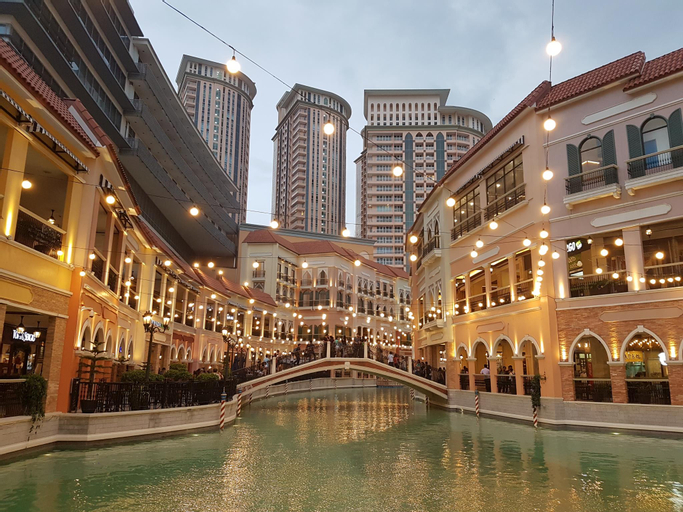 LUXE In Venice - The Venice Residences, Makati City