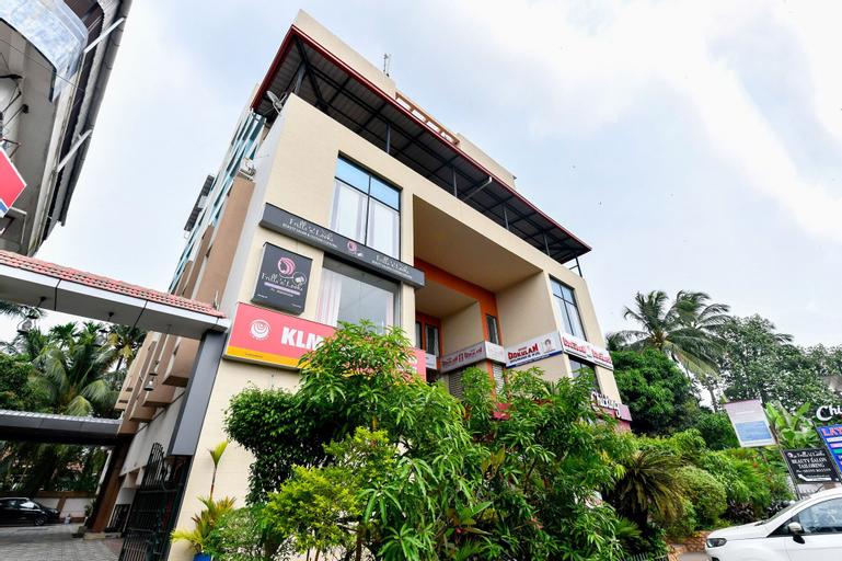 OYO 9560 Hotel Bellwether, Ernakulam