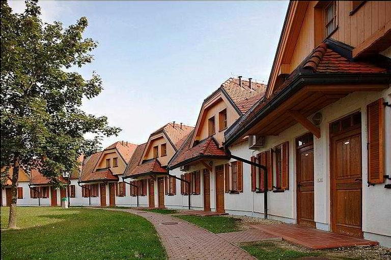 Prekmurska Vas, Moravske Toplice