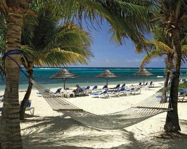 Divi Carina Bay Beach Resort & Casino, East End