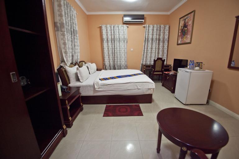 Okera Inn, Accra