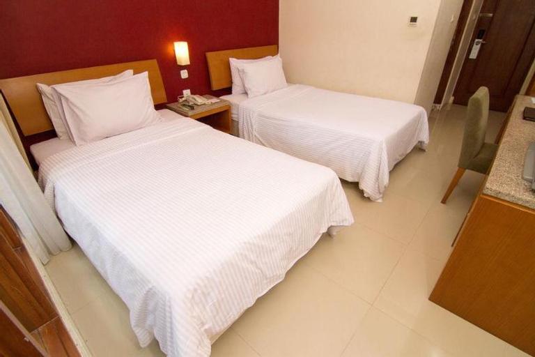 D Wangsa Hotel Solo, Solo