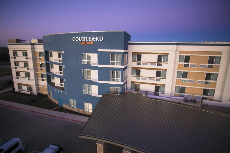 Courtyard Dallas Midlothian at Midlothian Conference Center, Ellis