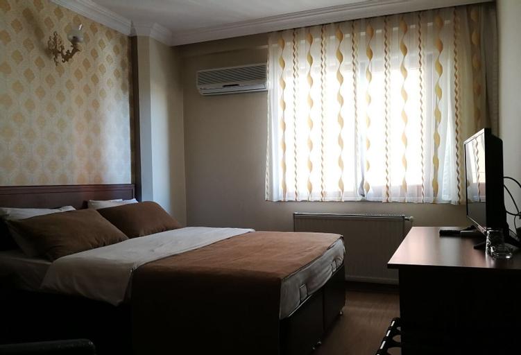 Karayel Hotel, Merkez