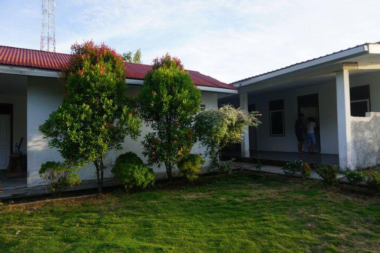 Brigitte Beach House, Padang