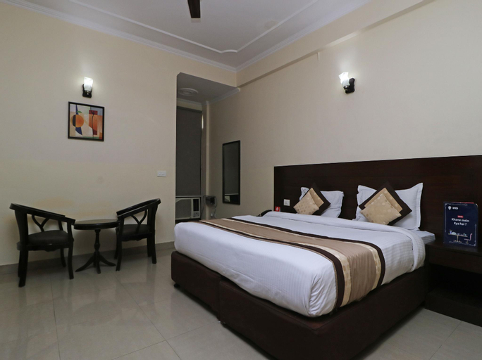 OYO 404 Hotel BlueBell, Gautam Buddha Nagar