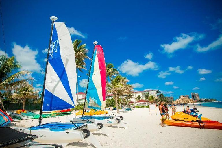 Breezes Bahamas Resort,