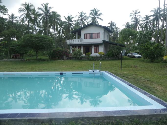 Cocoworld Bungalow, Panduwasnuwara