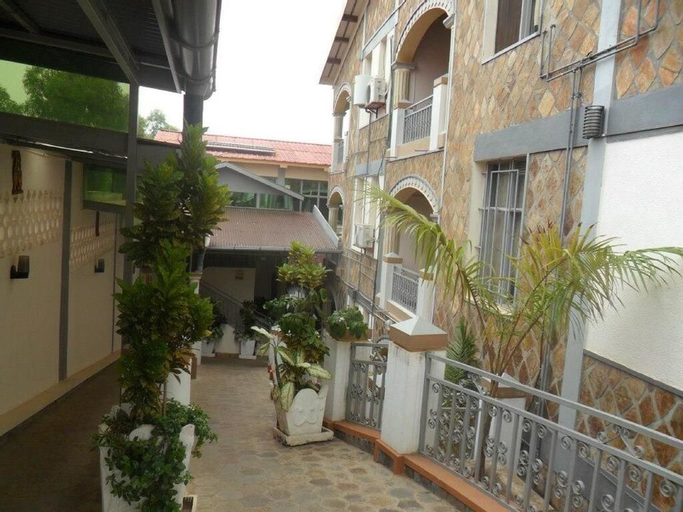 Gahahe Hills Hotel, Nyakabiga