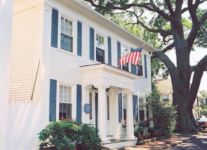 The Harborside Inn, Dukes