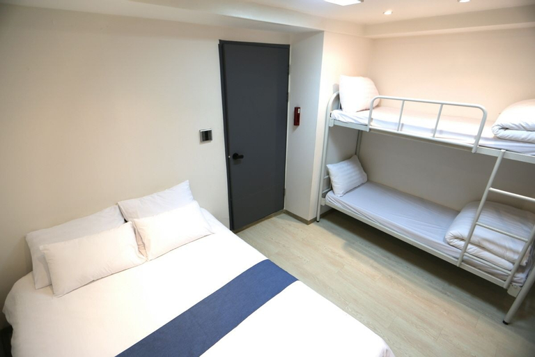 MUST STAY HOTEL Myeongdong, Jung
