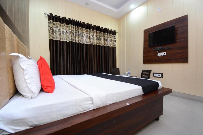 Capital O 38771 Hotel J7 International, Kapurthala