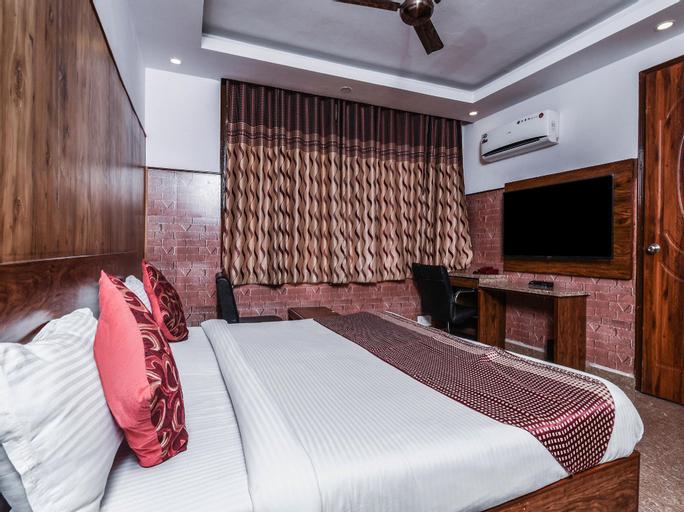 OYO 7304 Stay Jangpura, West