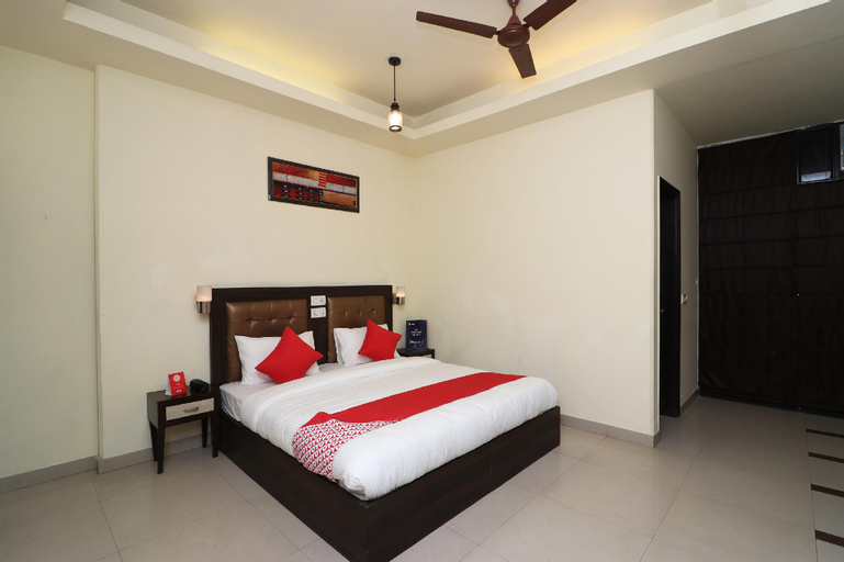 OYO 389 Hotel Applee Inn, Gurgaon