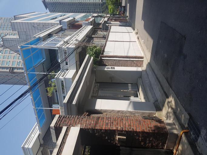 Rising Woman House, Yongsan
