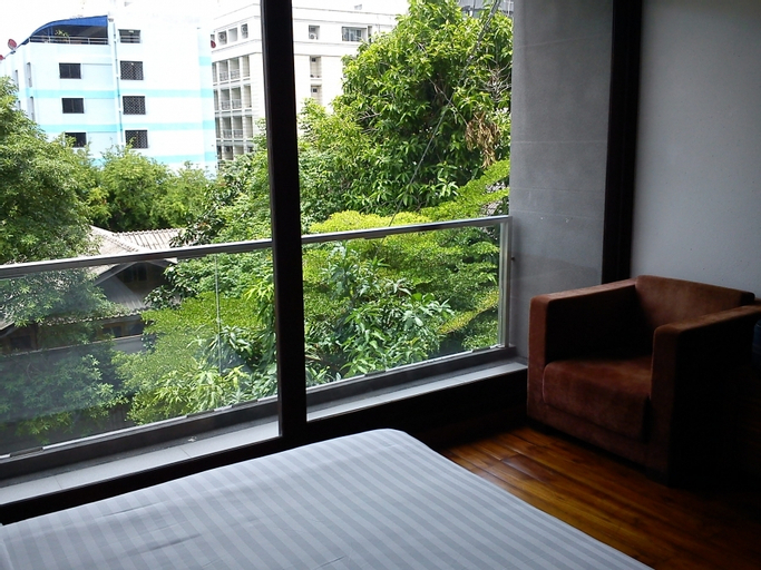 LUXX Langsuan Hotel, Pathum Wan