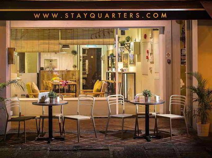 Quarters Hostel, Singapore River
