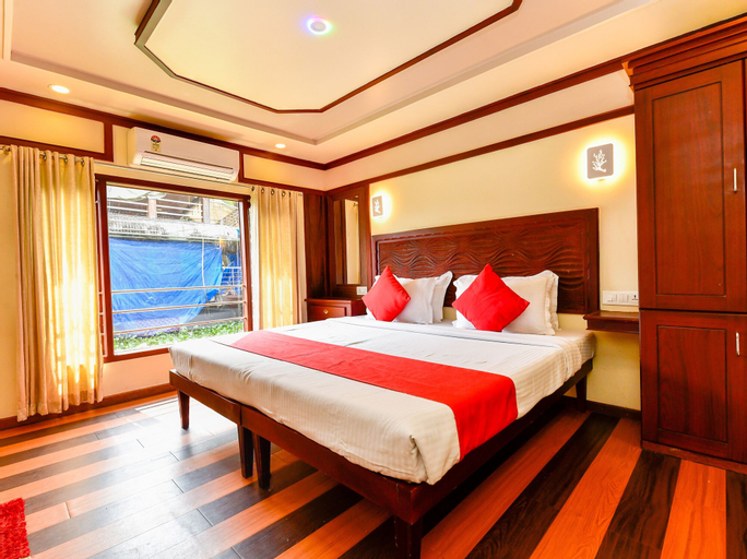 OYO 23230 Alleppey Eco Cruise 4 Bhk Sharing Houseboat, Alappuzha