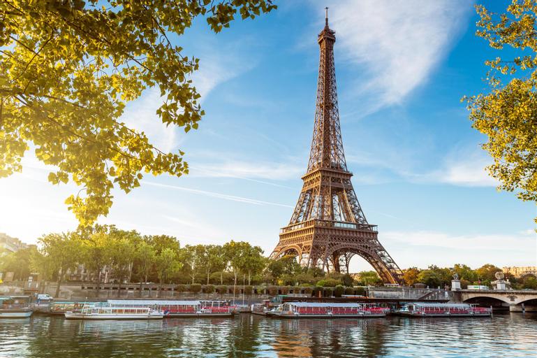 Le Plat d'Etain, Paris