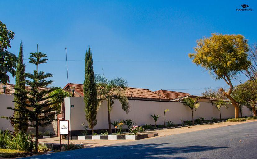 Nomad's Court Lodge, Lusaka