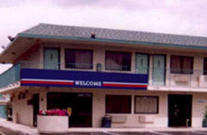 Motel 6 Fresno Blackstone, Fresno