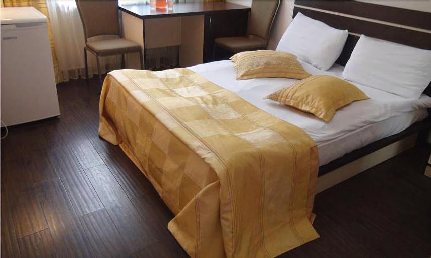 Tsaghkahovit Hotel,